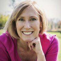 Denise McNab Headshot